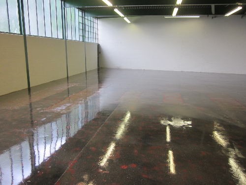 Prepared floor surface primed with epoxy primer