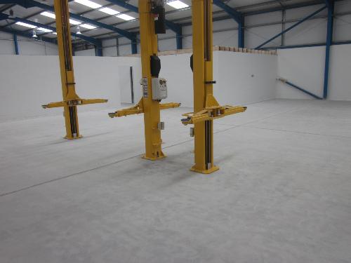 Concrete floor prepared by dust free diamond grinding