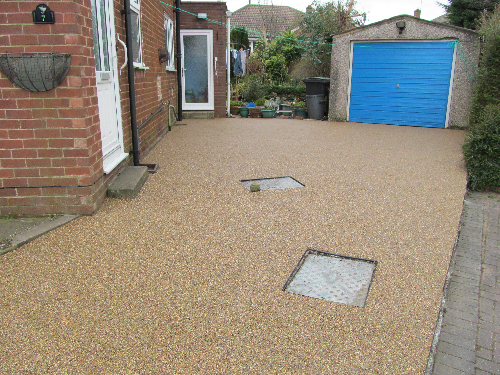 Gravel paving screeds London exterior resin surfaces